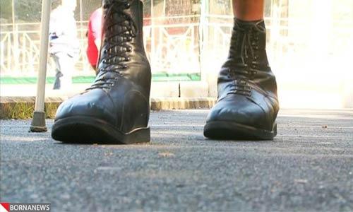 ساخت بزرگترین کفش دنیا برای بزرگترین پای دنیا+عکس