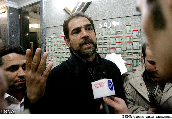 فیروز كریمی راهی بیمارستان شد | www.Alamto.Com