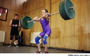 دختر 12 ساله انگلیسی قویترین وزنهبردار كوچك جهان