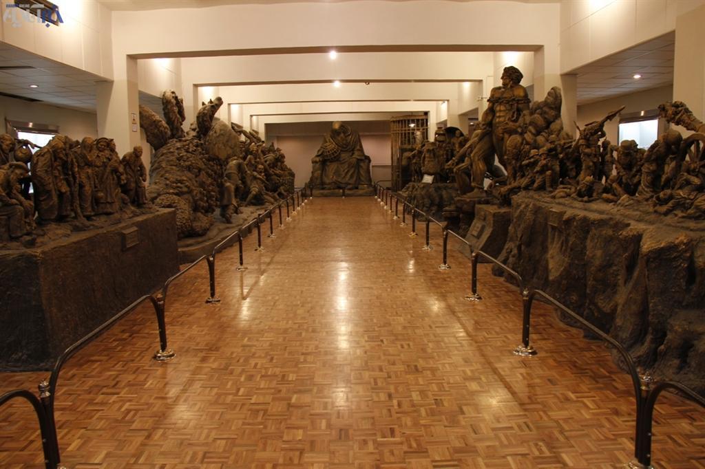 گزارش تصویری: مجسمههای شگفت انگیز از داوینچی ایرانی | www.Alamto.Com