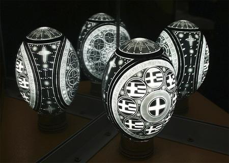 عکس های جالب و دیدنی از هنرنمایی با پوست تخم مرغ!