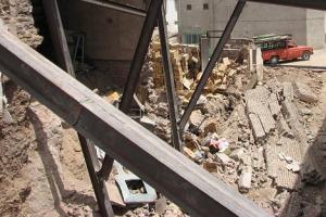 فروریختن یک ساختمان سه طبقه در تهران!