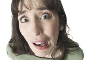 دختری که چاقو در استخوان گردنش فرو رفت و متوجه نشد!! + عکس