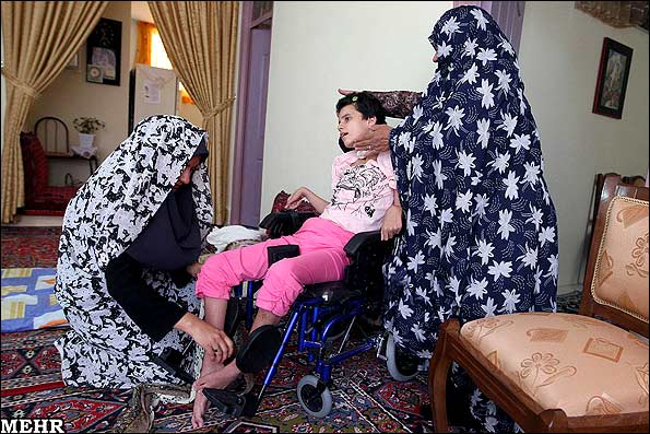 عکس های دردناک از اشتباه پزشکی و زندگی نباتی یک دختر 10 ساله!! | www.Alamto.Com