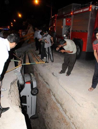 سقوط عجیب یک خودرو درون کانال (عکس)
