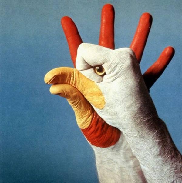 نقاشی های زیبا و خلاقانه روی دست انسان