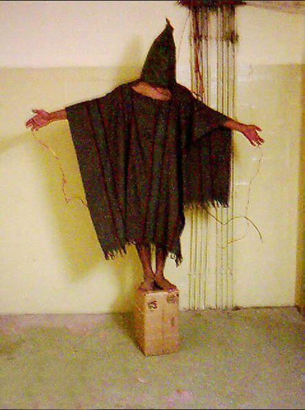 شکنجه زندانیان در ابو غریب  Apr 28/2003
