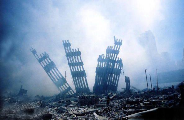 خاکستر باقی مانده از برج های دوقلو  Sep 11/2001