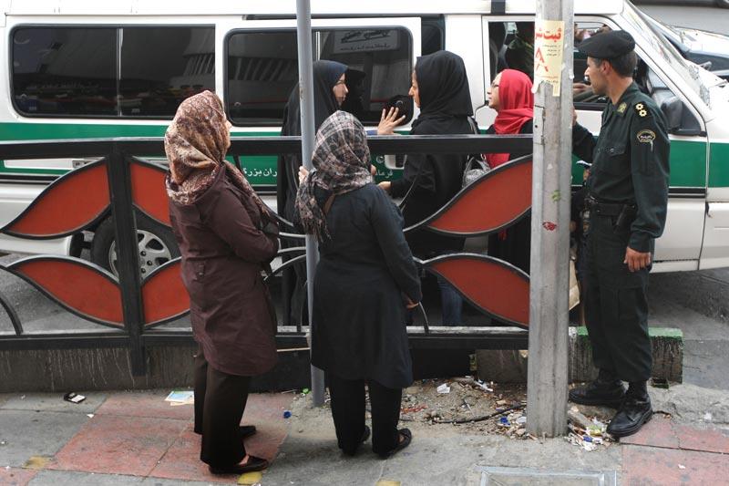 تصاویر جدید مبارزه با بدحجابی و اجرای طرح امنیت اجتماعی در تهران