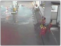 تصادف جالب در جایگاه پمپ گاز
