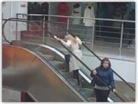 کلیپ خنده دار بالا رفتن از پله برقی