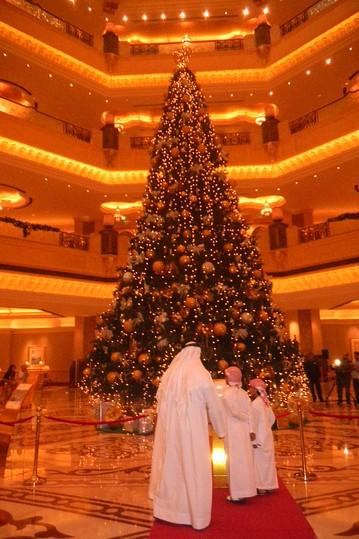وقتی عربها جشن کریسمس می گیرن ( تصویری)