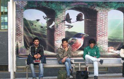 عکسای سه بعدی در ایستگاه های اتوبوس تهران !!