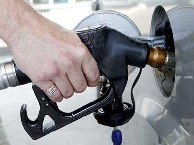 بنزین 100 تومانی فردا به کارت ها واریز می شود